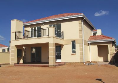 Mr Gutter Vaal house-400x284 Gutters and Downpipes